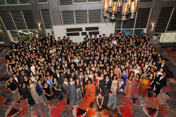 Group Photo of AUSMAT Class of 2019 with Ms Vanitha