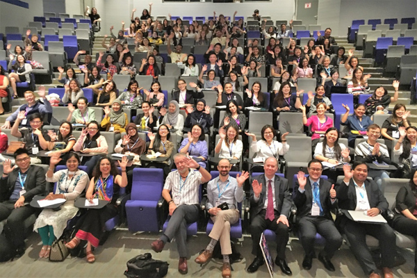 A photo of the audience taken by Prof William Heward before he started his lecture.